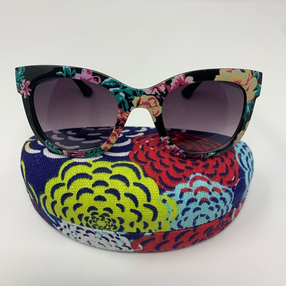 Black Cat Eye Sunglasses Floral Design Plus Case